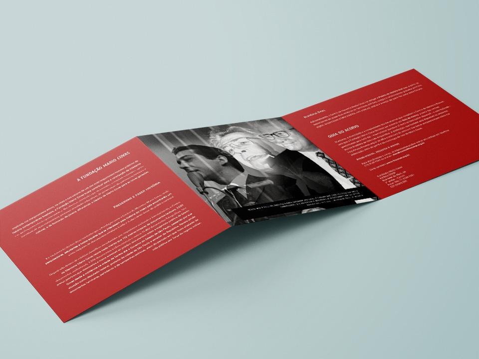 """Folder """"Guia do Acervo"""" do Centro de Memória Fundação Mario Covas"""